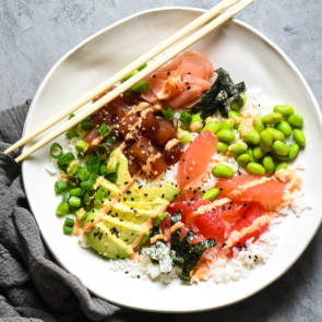 Grapefruit & Ahi Tuna Poke Bowl crop
