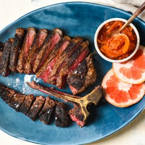 Spice-Rubbed Steak with Grapefruit