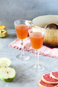 Mulled White Wine with Apple and Grapefruit